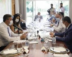 Lira e governadores acertam destinar R$ 14,5 bilhões no Orçamento para a Saúde