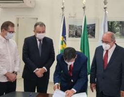 Piauí celebra contrato de compra de doses da vacina Sputinik