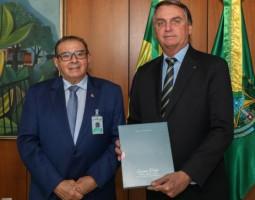 Valdeci Cavalcante é recebido em audiência pelo presidente Jair Bolsonaro em Brasília