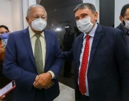 Wellington Dias acerta parcerias com a Prefeitura de Teresina
