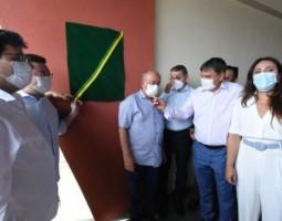 Wellington Dias entrega escola reformada e autoriza novas obras em Piracuruca