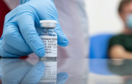 Publicada lei que destina R$ 1,9 bilhão para vacina de Oxford contra covid-19