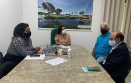 Secretária de Meio Ambiente firma parceria para fiscalização e preservação ambiental