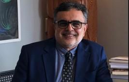 Acadêmico fala na APL sobre formas poéticas curtas