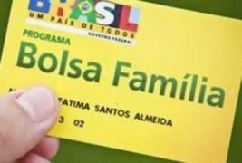 Estudantes cadastrados no Bolsa família repetem menos de ano, revela pesquisa