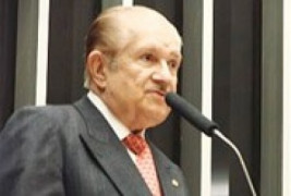 Deputado Mauro Benevides defende provimento de cargos na AGU