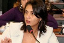 Deputada Andreia Zito cobra convocação de aprovados em concurso da AGU
