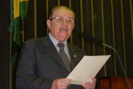 Deputado Mauro Benevides discursa a favor da PEC 82