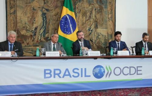 Ministro diz que Brasil é o país não-membro mais engajado na OCDE