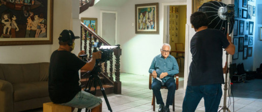 Academico Magno Pires grava video pelapassagem dos100 anos da Academia Piauiense de Letras.