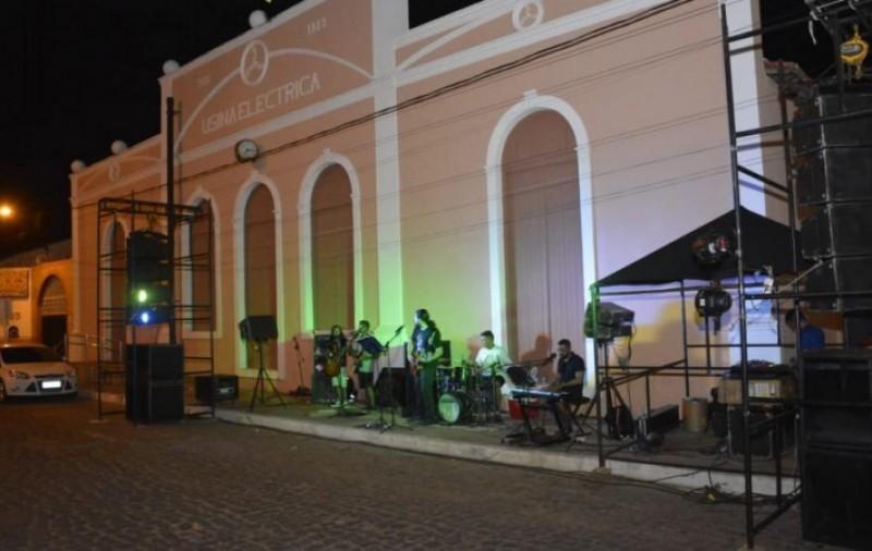 'Fim de Tarde' apresenta bad banda