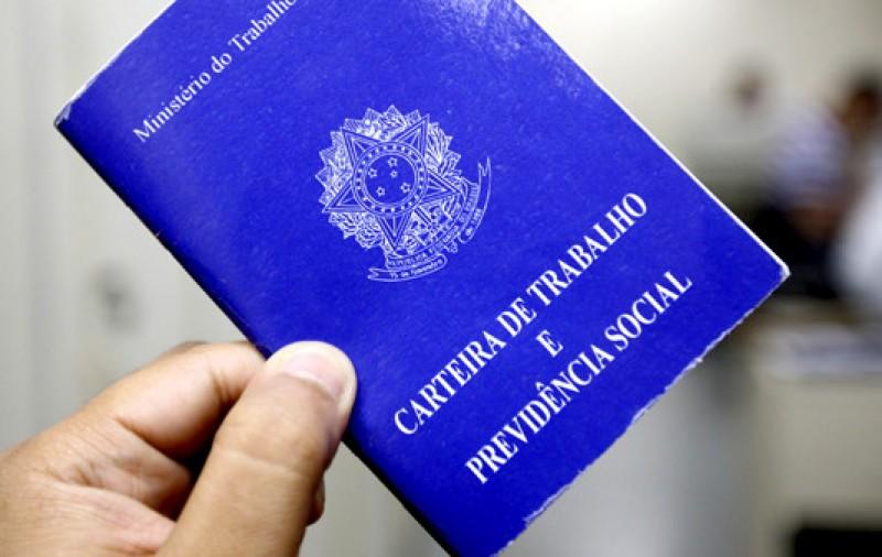 Proposta altera Orçamento de 2020 para cobrir gasto extra de R$ 3 bi no seguro-desemprego
