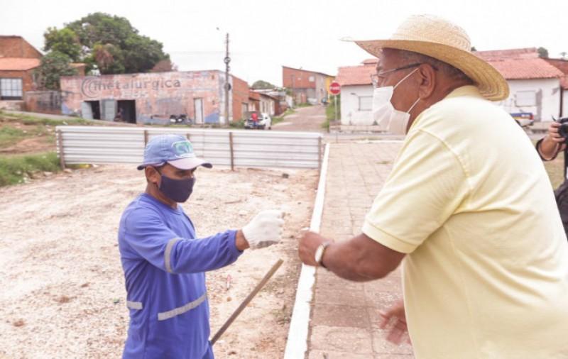 Prefeito Doutor Pessoa visita obras na zona Sudeste e garante entrega do mercado do Renascença