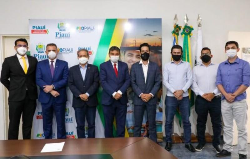 Governador recebe investidores que pretendem construir usina fotovoltaica de 1GW no Piauí