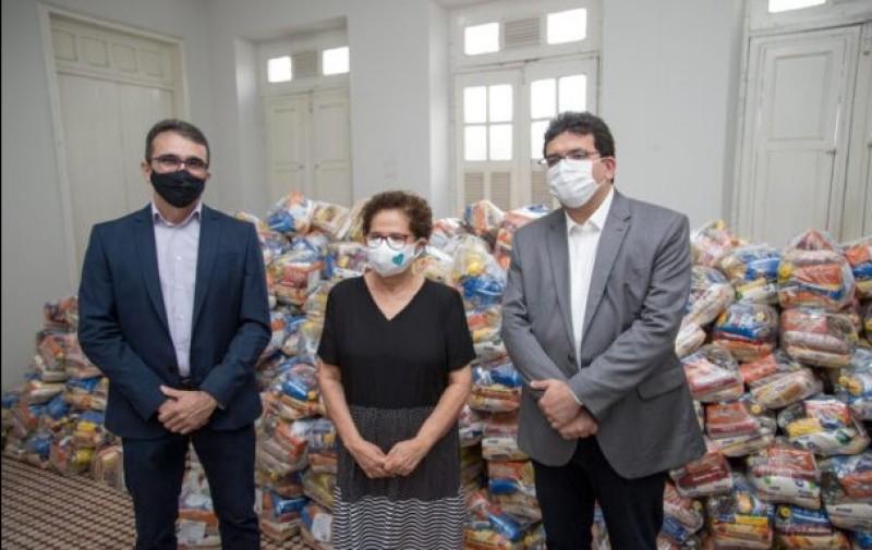 """Lançamento da campanha """"É Tempo de Cuidar"""" arrecada 22 toneladas de alimentos"""